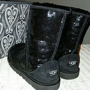 Sparkly Black UGG's
